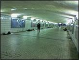 凌晨三点的宝安南路地下通道