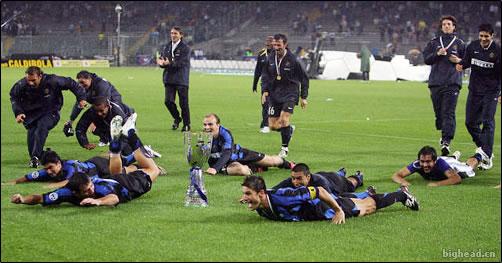 国际米兰赢得第二座超级杯